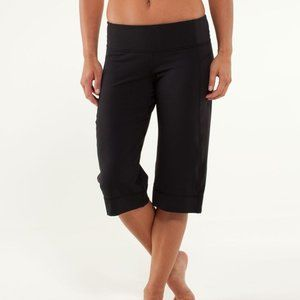 Lululemon Black Clam Digger Cropped Wide Leg Pants